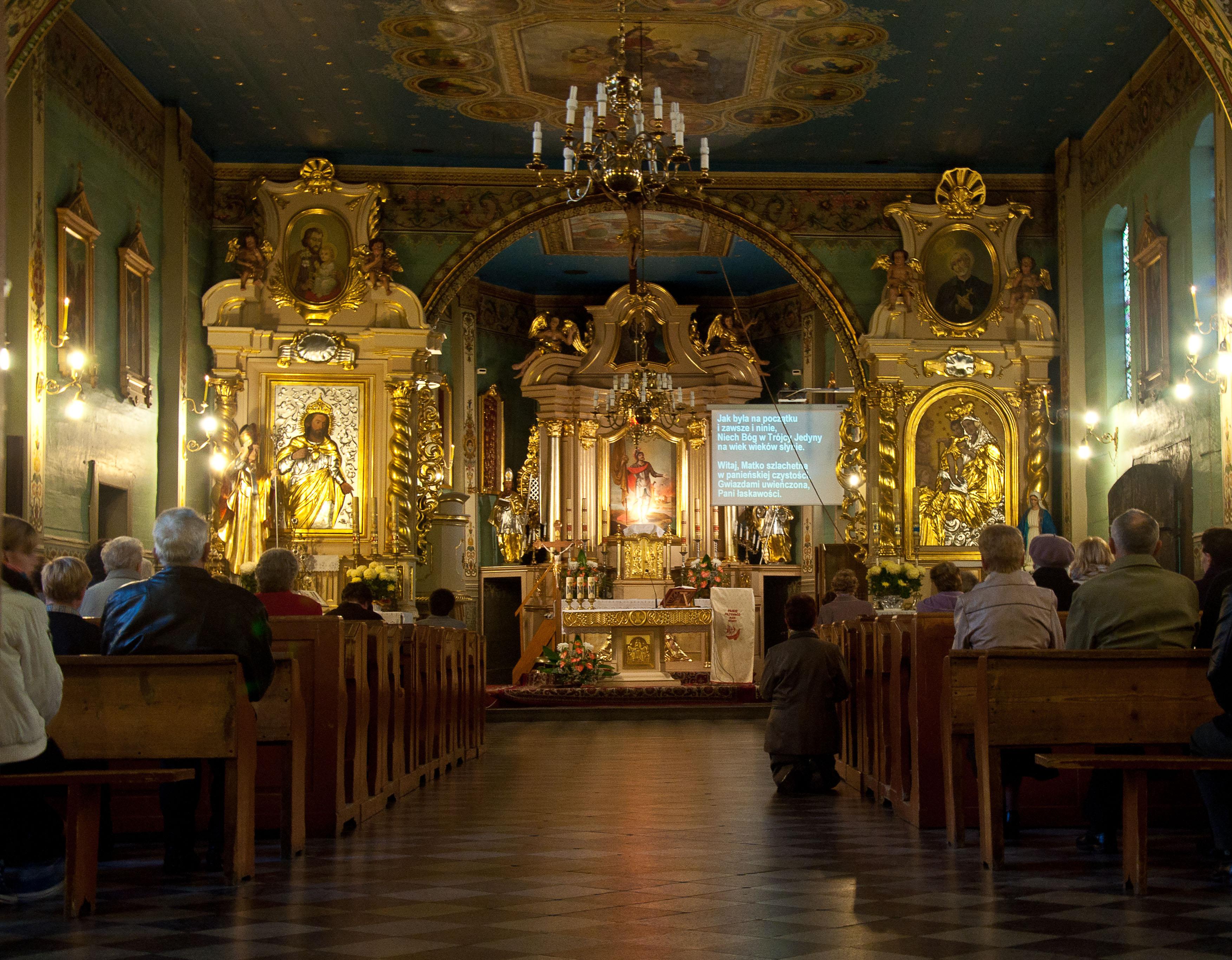 01640_Kościół_Narodzenia_Najświętszej_Maryi_Panny_w_Krzęcinie